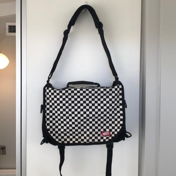 31f753d595c3 Vans checkerboard messenger bag. M 5ae21a6d3b1608e13efd8315